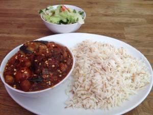 ארוחת צהרים לבנונית-טבעונית בלב רובע מואביט בברלין