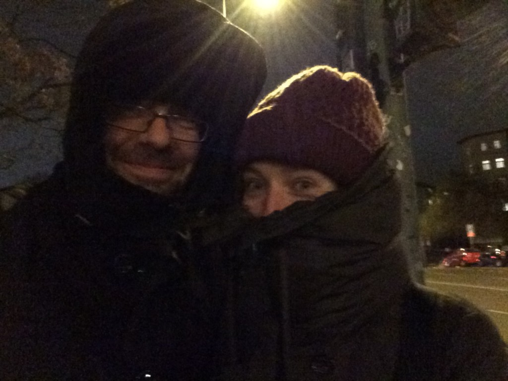 חוזרים הביתה. בחוץ קר מאוד, אבל בלב חם